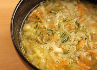 Zwiebelsuppe mit Weißkohl